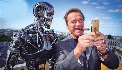 """6月19日,美国电影施瓦辛格在家族《终结者:创世纪》v电影现场,与一名""""冢本影星在线电影图片"""