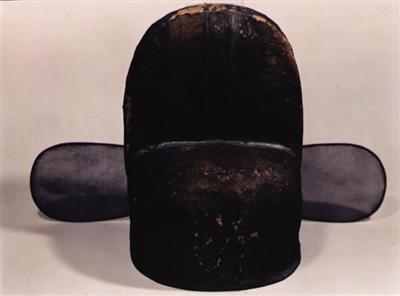 到了唐朝,乌纱帽是民间一种比较普通的帽子