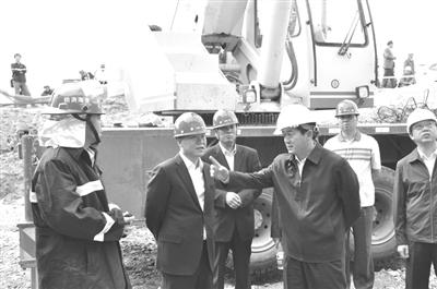 先后与格尔木炼油厂,钾肥有限公司