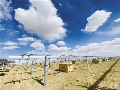 海南州特高压外送通道配套电源共和光伏项目建设正酣
