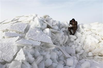 下起鹅毛大雪,我们迎着雪花从青海湖景区二郎剑向