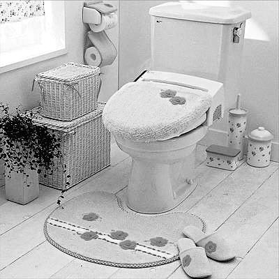 卫生间里的垃圾桶最好