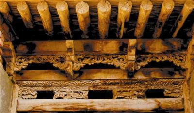 """""""中国古建筑的木结构多为榫卯结构,垂柱在这样的结构中,既有实用"""