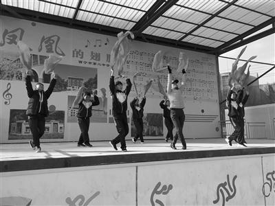 这就是西宁市第二中学学生的课间体育锻炼活动.每天上午10时15分,图片